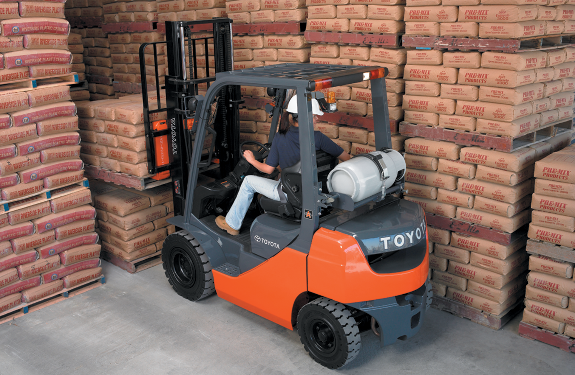 Toyota's Core IC Pneumatic Forklift in action.