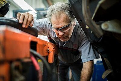 When unexpected forklift breakdowns happen, production stops.