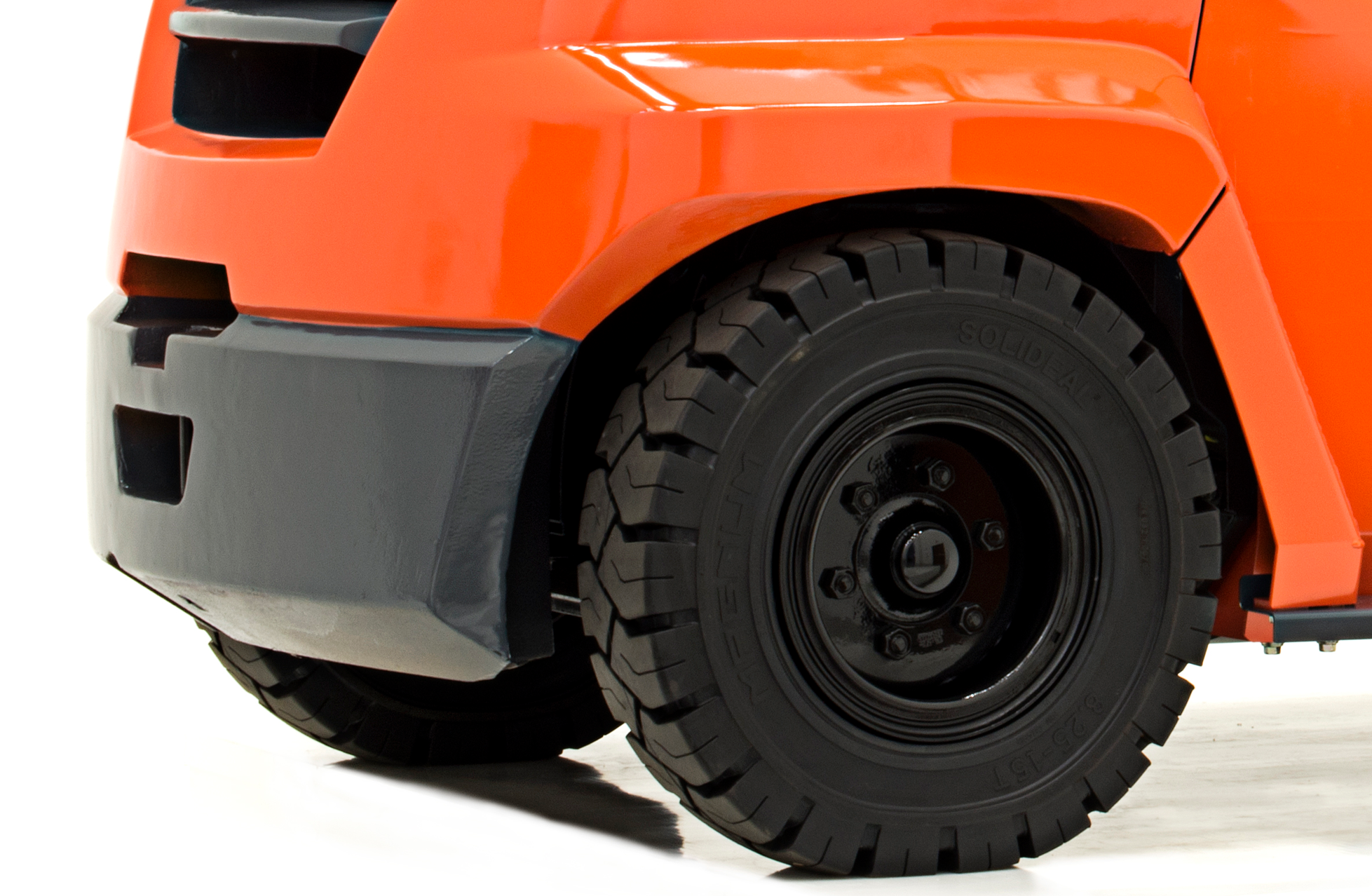 Close-up image of back tires of Toyota's Large IC Pneumatic forklift.