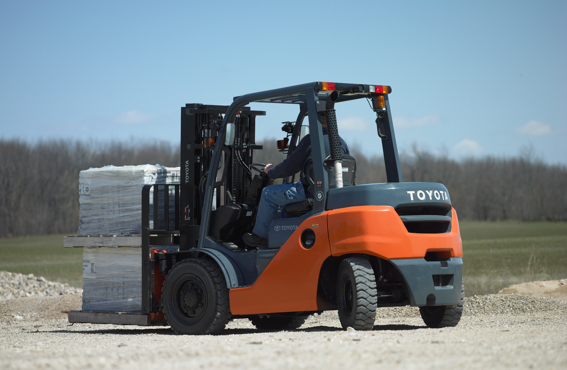 Mid IC Pneumatic Forklift for outdoor use.
